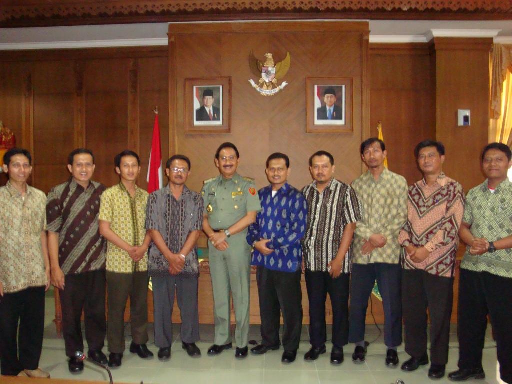 Audiensi Pengurus Harian Dewan Pimpinan Daerah Lembaga Dakwah Islam Indonesia (LDII) Kabupaten Badung dengan Bupati Badung A.A. Gede Agung, SH. (Senin, 11/Jan/2010)